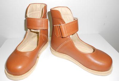 Ортопедические туфли с высоким задником
