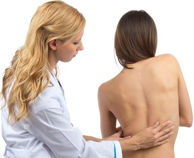 Ребенок на приеме у врача-ортопеда