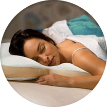 Какой должна быть подушка для сна на животе - фото