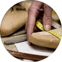 Преимущества и недостатки изготовления ортопедической обуви на заказ - фото