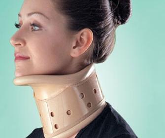 Как выбрать бандаж для шеи правильно - фото