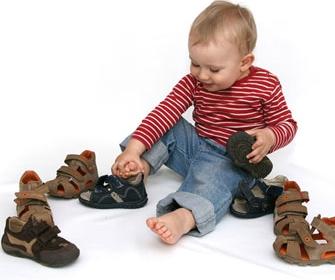 Как выбрать детские ортопедические сандали - фото