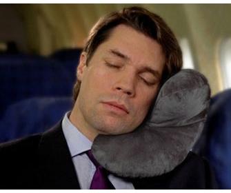 Как выбрать подушку для путешествия - фото