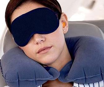 Выбираем надувную подушку под шею - фото